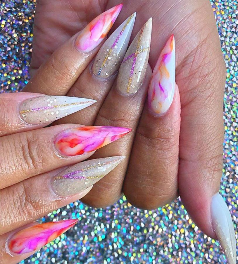 37 Elegant Stiletto Nail Art Designs For Holiday