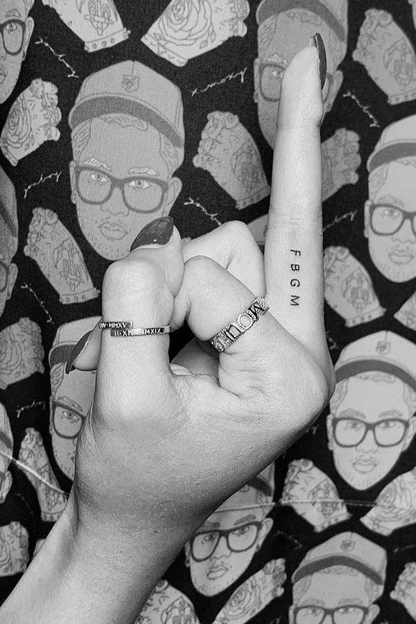 44 Small Hand Tattoos For Men And Women You Will Love Page 15 Diybig