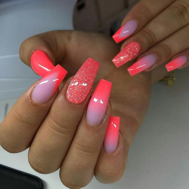 35 Pretty Pink Nail Art Designs You Must Try