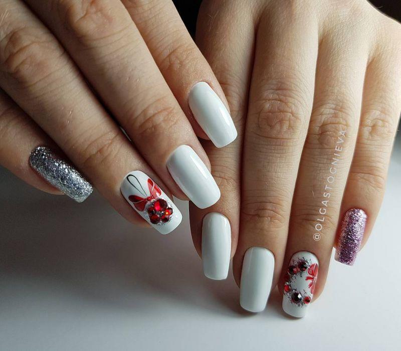 70 Festive Christmas Nail Art Designs to Inspire You