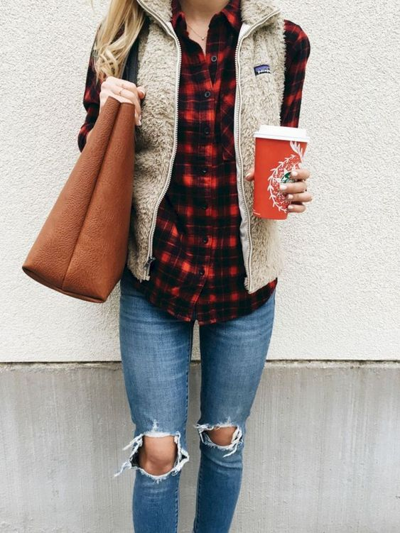 40 Trendy Christmas Outfits For Women 2020