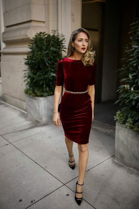40 Trendy Christmas Outfits For Women 2019