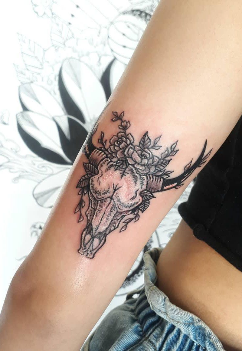 55 Pretty Bull Skull Tattoos to Inspire You