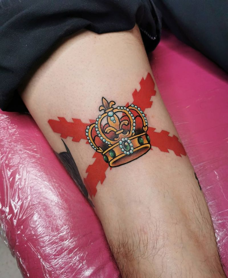 30 Pretty Crown Tattoos Show Your Temperament